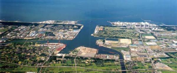 新潟県長岡市企業立地ガイドでは、豊富な優遇制度や環境の整った分譲地・空き物件をご紹介しております。